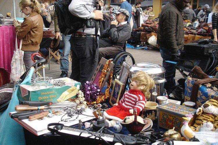 Grote rommelmarkt in Uitgeest 10 november
